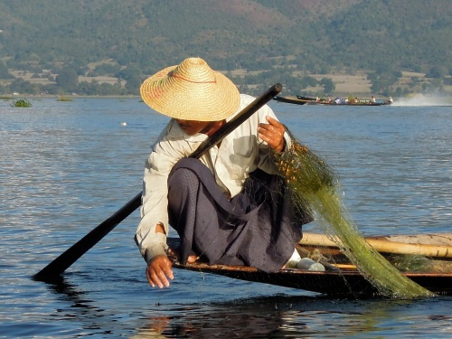 Fisherman_Inle_Lake_Burma_Myanmar